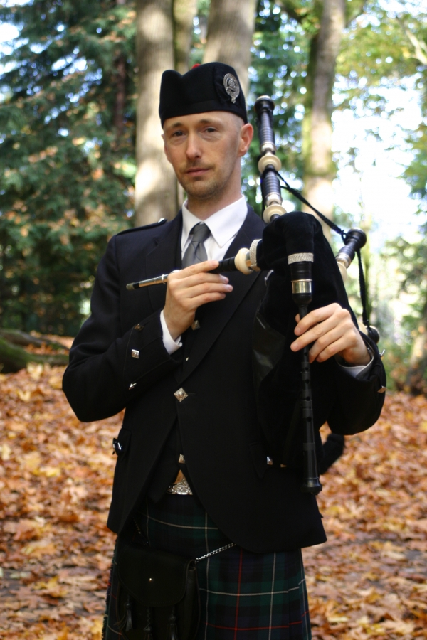 Kevin Auld - bagpipes